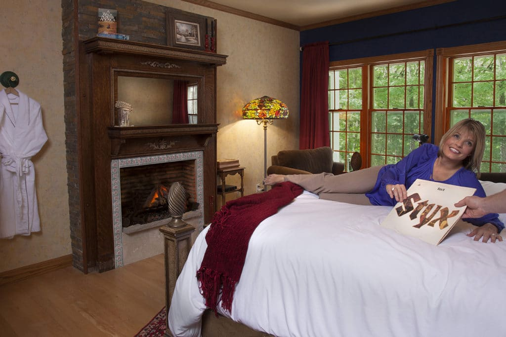 Our Most Popular Room -- Kettle Moraine Suite 5